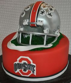 Ohio State Cake, maybe add a row of buckeyes as the bottom border College Football Teams, Ohio State Football, Ohio State University, Ohio State Buckeyes, Football Helmets, Ohio State Cake, Ohio State Wedding, Buckeye Cake, Sport Cakes