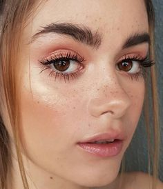Glowing Skin with these 5 Tips - - Glowing Skin with these 5 Tips Beauty Makeup Hacks Ideas Wedding Makeup Looks for Women Makeup Tips Prom. Makeup Hacks, Makeup Goals, Makeup Inspo, Beauty Makeup, Hair Beauty, Makeup Ideas, Makeup Tutorials, Dewy Makeup Tutorial, Simple Makeup Tutorial