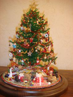 Miniature beaded Christmas tree