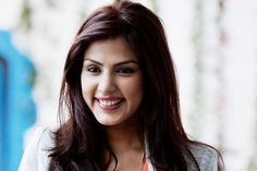 Rhea Chakraborty is an Indian film actress. She started off as a VJ on MTV India. Indian Celebrities, Bollywood Celebrities, Bollywood Actress, Indian Film Actress, Indian Actresses, Indian Heroine Photo, Heroine Photos, Bikini Photos, Indian Girls