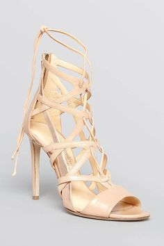 When in Doubt, Wear Nude Pumps – Fashion Style Magazine - Page 3