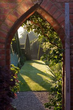 Wollerton Old Hall. A formal plantsman's garden with garden 'rooms' each with their own defining style.