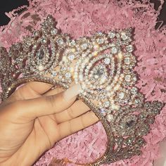 pass the crown to the queen with the best jewels 👸✨ Boujee Aesthetic, Bad Girl Aesthetic, Bad And Boujee, Glitz And Glam, Tiaras And Crowns, Quinceanera Dresses, Quinceanera Tiaras, Quinceanera Hairstyles, Diamond Are A Girls Best Friend