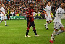 Ronaldinho against Real Madrid Brazil Team, Barcelona, Soccer Pictures, Cristiano Ronaldo, Real Madrid, Football, Sports, Soccer, Hs Sports