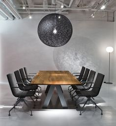 Exo chairs with Ekko solid wood table and Moooi Random light Source by davis_furniture Wood And Metal Table, Table Lamp Wood, Solid Wood Table, Wooden Desk, Wooden Tables, Office Interior Design, Office Interiors, Home Interior, Conference Room Design