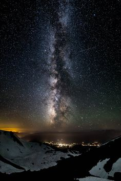 just–space:Milky Way over Mt ... http://eyestothe-skies.tumblr.com/post/150327144378/justspace-milky-way-over-mt-shasta-js by https://j.mp/Tumbletail