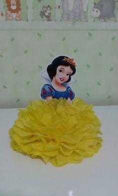 Barbie Birthday, 1st Birthday Parties, Birthday Party Decorations, White Birthday Cakes, Snow White Birthday, Disney Princess Party, Princess Birthday, Snow White Invitations, Party Centerpieces