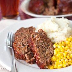 All Beef Meatloaf Recipe - RecipeChart.com #ComfortFood #MainDish #Savory