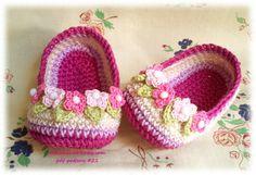 Crochet Slippers with flowers for Baby  pattern pdf by Nekomaru85, €3.50