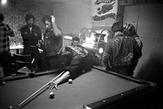 Hells Angels, California, America loves its outlaws, but few of us actually dare to live the lifestyle. In the Hells Angels were little known… Hells Angels, Biker Clubs, Motorcycle Clubs, Motorcycle Vest, Motorcycle Style, Public Enemies, Play Pool, Bike Parking, Big Daddy