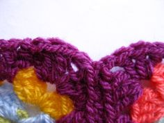 Hello Lovelies, As you can see from the picture above I'm on the border of my granny square blanket. A row of plum then four colours so fa...