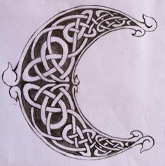 Celtic Knots Inside Moon Tattoo Design Photo - 2: Real Photo, Pictures, Images…