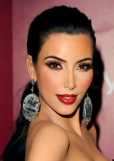 Brown Smokey Eye with Long Lashes & Red Lips.