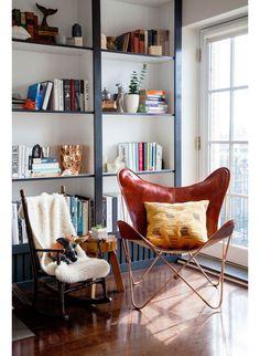 Idee voor grote boekenkast voor in de zijkamer