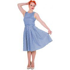 Šaty Dolly and Dotty Lola Light Blue Polka Puntíkaté krásky, kterým se prostě neříká ne, navíc za báječnou cenu! Skvělý model vhodný na svatbu, zahradní párty, retro večírek či běžné nošení. Střih ve stylu Audrey s lodičkovým výstřihem, projmuté v pase s rozšířenou sukní s pravidelnými sklady, zapínání na krytý zip v zadní části, součástí pásek se sponou potaženou látkou ve stejném vzoru a dalším v kontrastní červené barvě pro oživení vašeho outfitu. Velmi příjemný, lehčí materiál (95%…