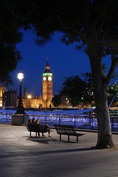 Bench with a view, London Nights