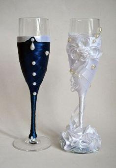 Taças decoradas para um brinde original!                                                                                                                                                                                 Mais