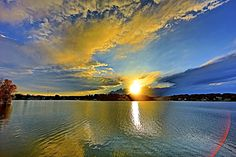 Spectacular sunset #AppleValleyLake #KnoxCountyOhio
