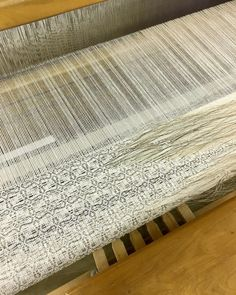 New weaving exploring transitions and wear on the loom. Icelandic horsehair is always a treat to weave.    #weaving #weavingloom #loom #weaver #warpandweft #craft #studio #artist #kimmirus #handweaving #artistresidency #pentaculum2018 #arrowmont #horsehair #naturalfibers