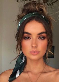 scarf hairstyles Trendy how to wear a bandana in your hair as a headband hairstyles Ideas Tomboy Hairstyles, High Ponytail Hairstyles, Twist Braid Hairstyles, Curly Bob Hairstyles, Curly Hair Styles, Hair Scarf Styles, Anime Hairstyles, Hairstyles With Headbands, Scarf Hairstyles Short