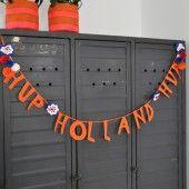 Leuk bedacht: woordslinger. #Slinger #WK #haken #crochet
