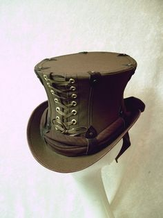 Steam Punk Hat... I kind of love this, I made one like this last year, sold it at the Kinectic Carnivale in Willits.
