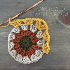 Remember when I shared with you how to make a Geometric Crochet Pillow? A new crochet tutorial is so over due. I've been obsessing over circle granny squares lately. I recently made my ni