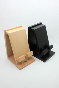 Docking station, charging station for men, unique holiday gift for him, mens birthday anniversary gift, docking station and organiser gift Docking station docking station for men unique holiday gift Wood Phone Holder, Wood Phone Stand, Mens Valentines Gifts, Holiday Gifts, Christmas Presents, Diy Christmas, Support Portable, Wood Projects, Woodworking Projects