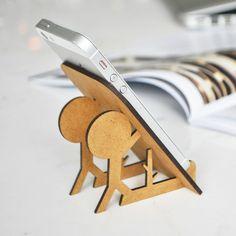 Sin duda el porta celular en madera iCharly es uno de nuestros productos preferidos. #DiseñoMexicano #diseñoecologico