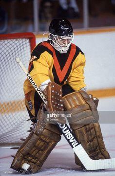 Ice Hockey Players, Hockey Goalie, Hockey Games, Vancouver Canucks, San Jose Sharks, Nhl, Goalie Mask, Nfl Fans, Toronto Maple Leafs