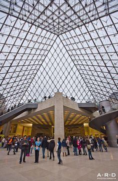 Vista desde el interior del Louvre Paris  by ARD