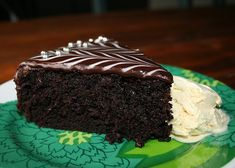 Sopivasti ihana: Täytekakut Desserts, Food, Tailgate Desserts, Deserts, Eten, Postres, Dessert, Meals, Plated Desserts