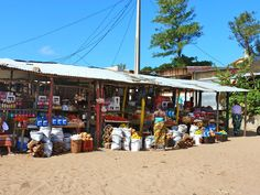 ponta do ouro market mozambique Beach Town, Beautiful Beaches, Playground, Diving, Travel Inspiration, Surfing, Africa, Street View, Mine Mine