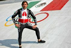 Von Hohenlohe esqui traje México em Sochi (Foto: EFE)