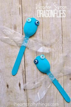 Simple Wooden Spoon Dragonfly Craft (when learning about bugs)