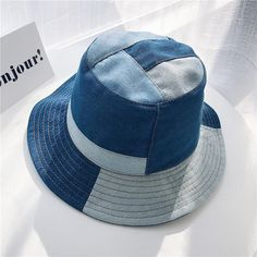 style this denim patch bucket hat to spice up the textures and colours for your next look. Bucket Hat Outfit, Jeans Patch, Kimono Diy, Mode Adidas, Mens Bucket Hats, Cool Bucket Hats, Diy Vetement, Diy Hat, Accesorios Casual