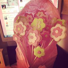 #BarbaraDUrso Barbara D'Urso: Mi hanno portato questi biscotti meravigliosi ❤️❤️❤️❤️ #B #biscotti #dolceserata #dolcezza #dolci #grazie #cuocaSimona #buonaserata #bellissimi #pictoftheday #instagood