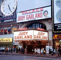 Broadway Theatre, Cinema Theatre, Musical Theatre, Le Palace, Dorothy Gale, Vintage Tin Signs, Judy Garland, Vintage Hollywood, Musicals