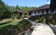 Paradisul rupestru de la Şinca Veche. Tărâmul românesc unde te poţi relaxa într-o linişte deplină Relax, Life, World, Houses, Romania, Geography