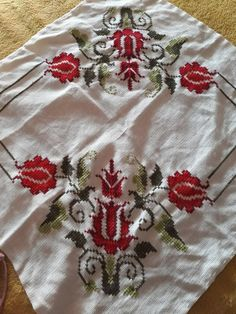 Tree Skirts, Album, Holiday Decor, Rose, Design, Cross Stitch Embroidery, Punto De Cruz, Hardanger, Pink