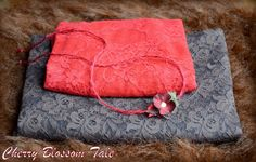 Christmas layering set for newborn photoshoots. The set includes a tieback and…