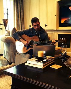 """""""Working up some new stuff for the upcoming acoustic tour. See ya there!""""  Rob Thomas"""