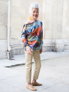 Love Junko's messy look Over 50 Womens Fashion, Fashion Over 50, Style And Grace, My Style, Stylish Older Women, Chic Over 50, Casual Chique, Advanced Style, Ageless Beauty