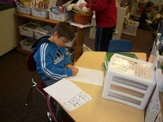 This teacher does an excellent job of explaining the Daily Five! Wonder how this could be used in a middle grades math class- any ideas Grande Grande Brown? Reading Lessons, Teaching Reading, Guided Reading, Teaching Ideas, Word Work Stations, Literacy Stations, Daily Five Math, 3rd Grade Classroom, Classroom Ideas