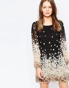 Цельнокройное платье с принтом Yumi - Черный