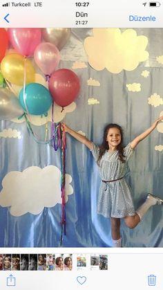 Pre K Graduation, Preschool Graduation, Preschool Door, Preschool Classroom, Crochet Dinosaur Patterns, Baby Knitting Patterns, Rose Tutorial, Birthday Backdrop, School Decorations
