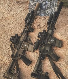 """""""NUBS"""" on Instagram: """"Left or Right? I can never Decide 😎 @triarcsystems @eotech @gunmagwarehouse"""""""