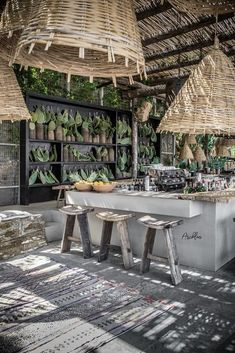 Spectacular Beach Restaurant Interior Exterior Design Ideas The interior has a specific amount of drama and yet in addition, it is easy. It is very glamorous but also very simple. Employing arched casing for en. Café Design, House Design, Design Ideas, Beach Design, Design Concepts, Diy Outdoor Bar, Outdoor Living, Outdoor Shop, Ibiza Stil