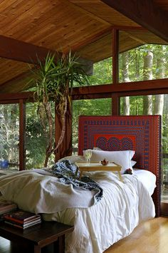 Cozy. Love the head board