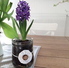 Frühlingsdekoration Planter Pots, Vase, Home Decor, Interior Design, Vases, Home Interior Design, Plant Pots, Home Decoration, Decoration Home